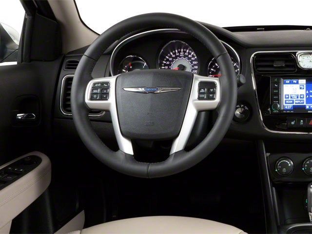 Chrysler 200 pics